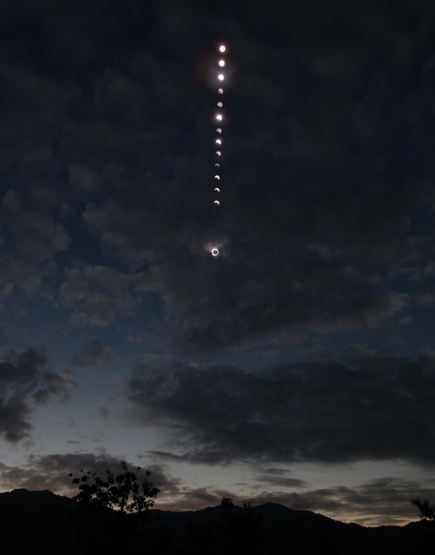 사진/태양계/은상 최영삼 / 구름속의 개기일식